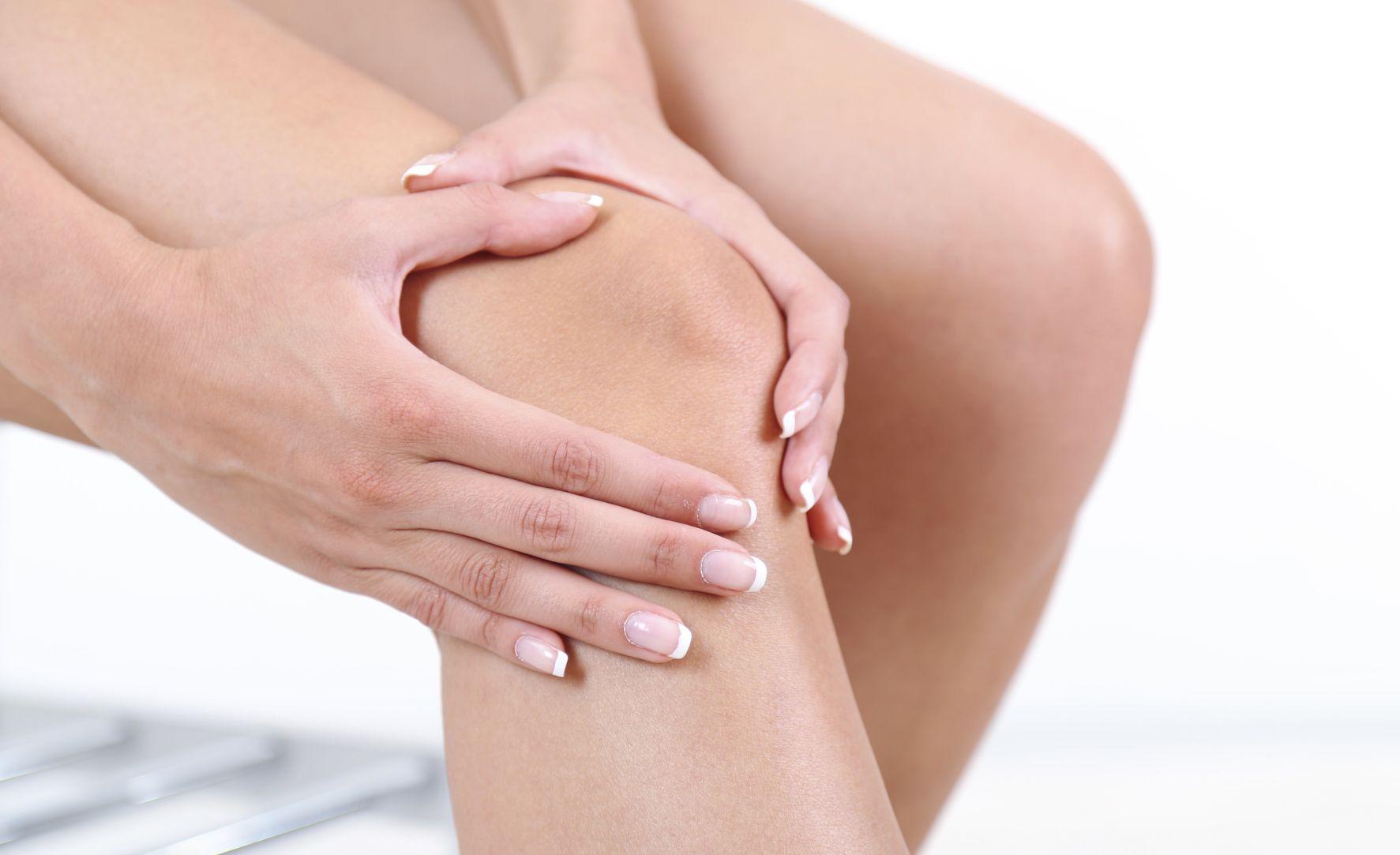 Terapia incredibilă care te scapă de durerile de genunchi. Rapid și fără medicamente