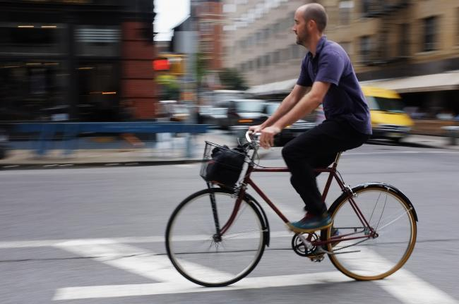 Cancerul cauzat de mersul pe bicicletă. Cei mai afectați sunt bărbații tineri