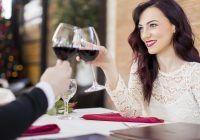 Cum îți protejezi dinții de vinul roșu