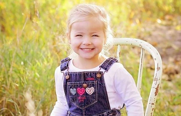 O fetiță de 3 ani și-a donat organele pentru a salva alți doi băieți