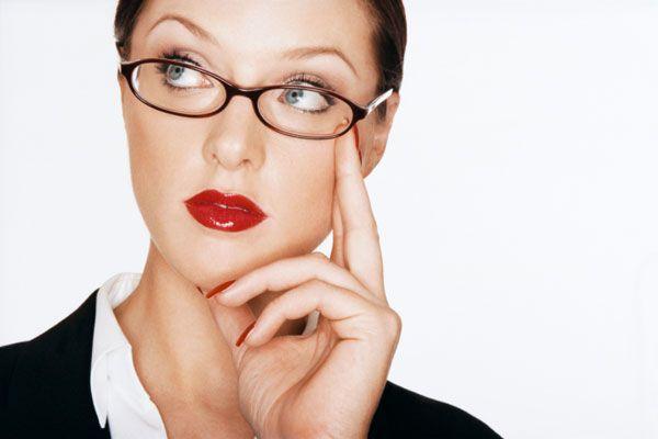 9 greşeli de înfrumuseţare care te ţin departe de promovare la muncă