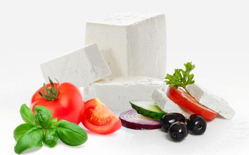 Ce se întâmplă dacă mănânci roșii cu brânză?
