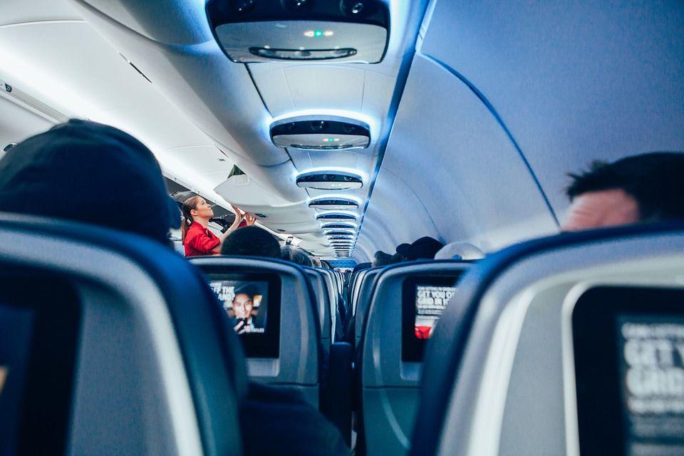 Pleci în vacanță cu avionul? Cu ce boli te poți alege în timpul unui zbor de câteva ore