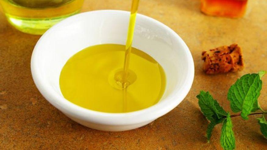 Uleiul cu care găteşti este mai nociv ca zahărul. Iată despre ce tip de ulei este vorba