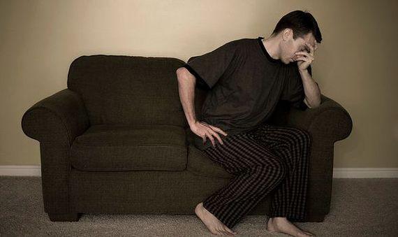 Tații pot suferi de depresie post-natală . Iată care sunt simptomele
