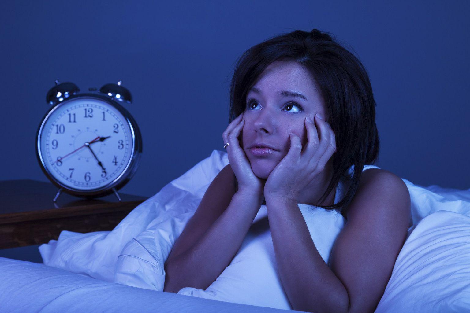 Dormim cu 20% mai puţin ca acum 100 de ani. Află cum poţi scăpa de insomnie!