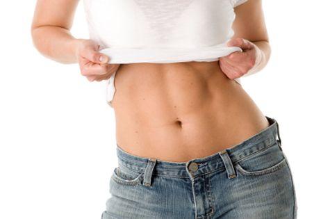 Acest exercițiu uimitor care durează doar patru minute îți va transforma total corpul