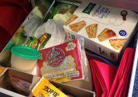 Care sunt cele mai bune gustări pe care să le depozitezi în sertarul de la birou