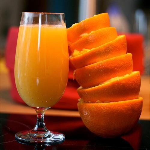 Nu mai arunca cojile de la portocale. Iată ce să faci cu ele