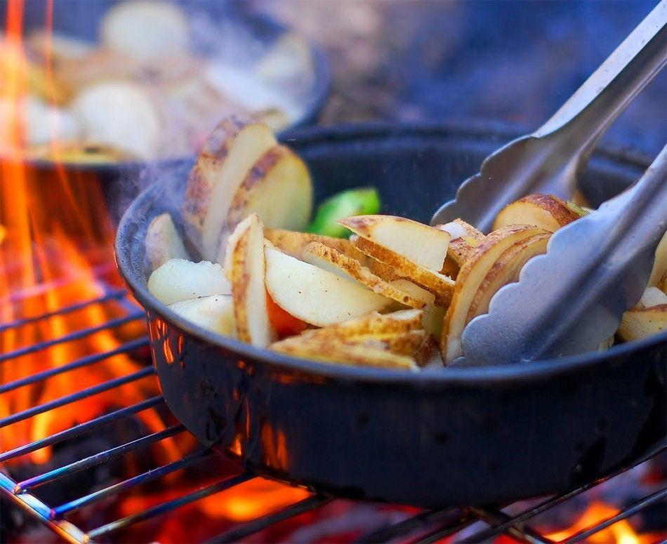 Atenție! Opt alimente care devin toxice dacă le reîncălziți