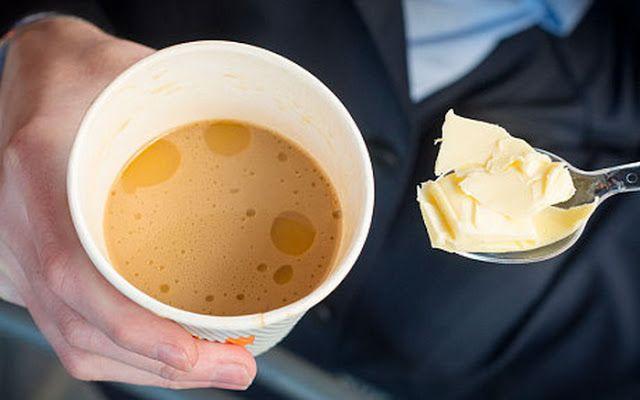 5 motive pentru care tot mai multă lume adaugă unt în cafea