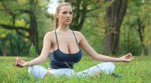 Vrei să ai sâni mai mari în mod natural? Iată ce exerciții trebuie să faci