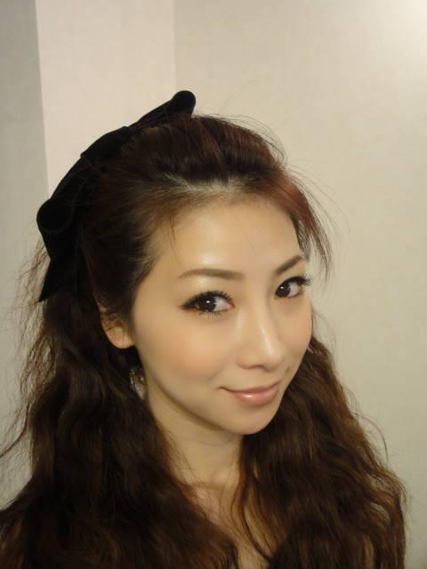 Arată ca o puștoaică de 16 ani dar are aproape 50. Cum reușește să arate așa fără nicio operație estetică?