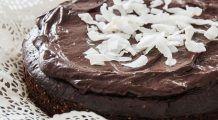 Tort de ciocolată neagră fără făină. Delicios și cu puține calorii