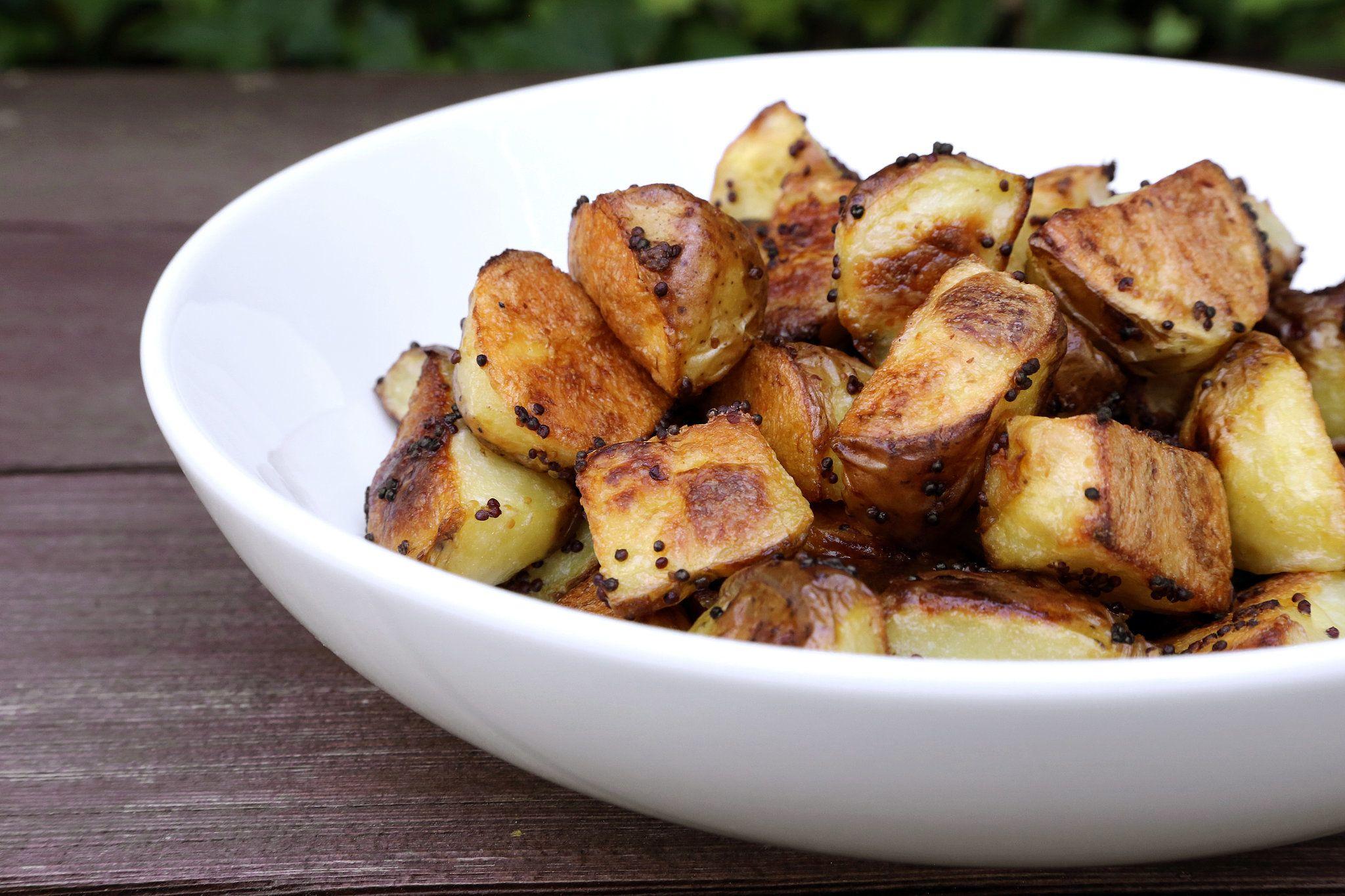Rețeta de la mama - cum prepari cartofii copți crocanți?