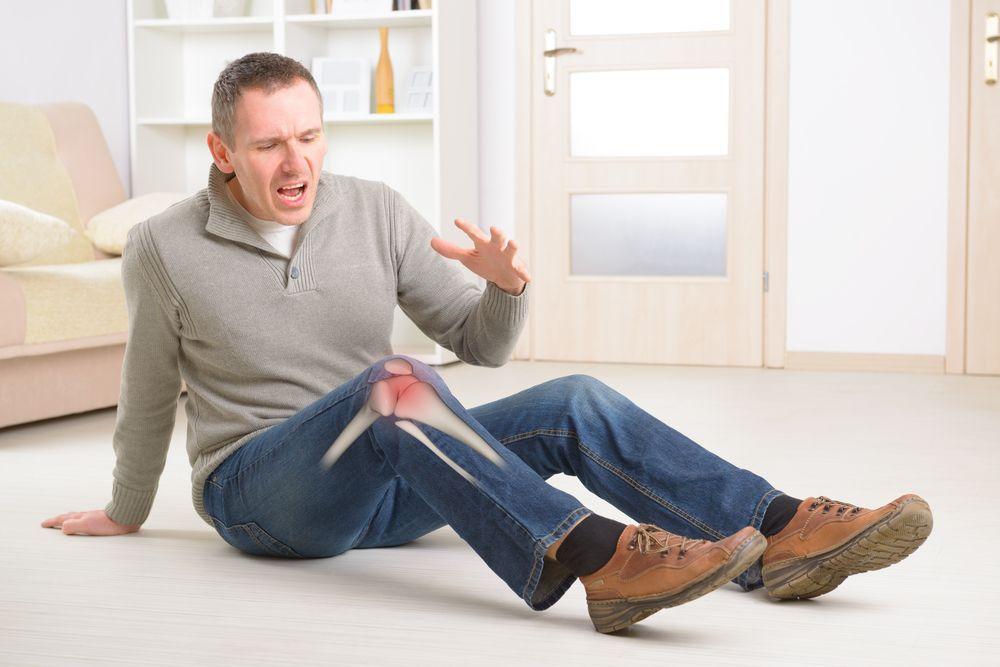 Bărbații, loviți de osteoporoză. Cum se manifestă și cum e diagnosticată