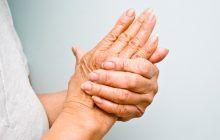Durerile și înțepenirea articulațiilor anunță o boală care nu poate fi vindecată. Cum o țineți sub control?