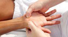 Ce puncte trebuie să masezi în palmă pentru a scăpa de afecțiuni și dureri