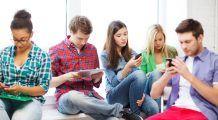 INCREDIBIL : Ce se întâmplă cu creierul tău atunci când îți verifici telefonul tot timpul
