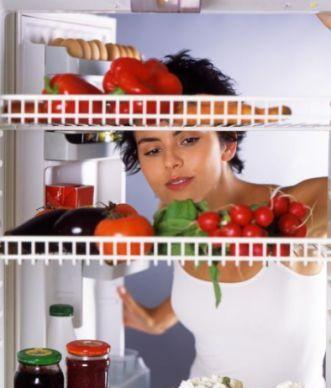 UIMITOR! Ce se întâmplă dacă respiri aer rece din frigider?