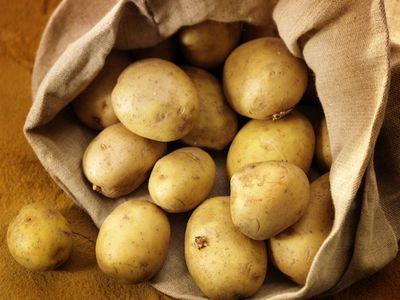 Mituri despre banane, ouă și cartofi. Îngrașă sau nu?