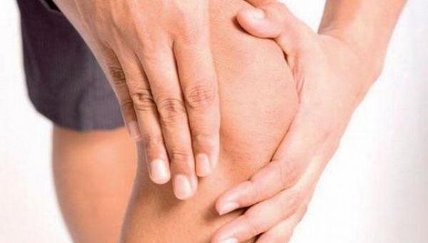 De ce apar durerile de genunchi? Opt cauze posibile