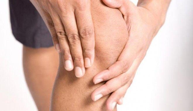 De ce ne dor genunchii? Află cauzele posibile și soluțiile lor