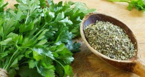 Planta miraculoasă. Te scapă de 5 kilograme într-o săptămână, ajută ficatul și calmează durerile reumatice