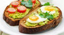 Cu gălbenuș sau fără, cum e cel mai bine să mănânci ouăle?