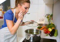 Cele mai sănătoase metode de gătit. PLUS: În ce fel de vase recomandă nutriționiștii să preparăm mâncarea ca să nu ne îmbolnăvim