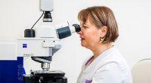 """Testele genetice, """"arme"""" tot mai puternice în lupta împotriva cancerului. Cercetătorii sunt convinşi că prin analizarea ADN-ului pacienţilor, vor putea să dezvolte """"tratamente pe comandă"""""""