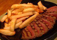 5 combinaţii alimentare periculoase. Cu ce SĂ NU AMESTECAȚI carnea sau lactatele