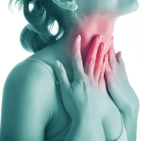 Cancerul de tiroidă. Cine e la risc să dezvolte boala și ce simptome vă trimit la medic?