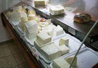 """În România, și brânza este falsă! Ea a devenit """"specialitate"""", iar ingredientul de bază este uleiul de palmier"""
