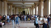 """Aproape 3.200 de candidați pe 950 de locuri la Universitatea de Medicină şi Farmacie """"Carol Davila"""" din Bucureşti"""