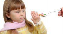 Jumătate dintre părinții români își trateaza copiii cu medicamente nepotrivite vârstei lor