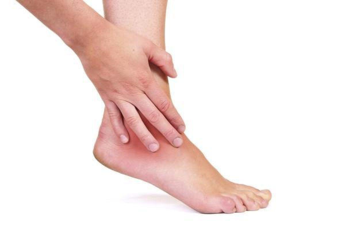 glezne umflate medicină alternativă de ce fundul picioarelor mele este umflat dimineața