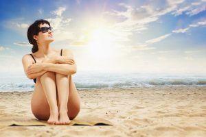 Cum ne pregătim pielea înainte de o expunere de mai multe zile la soare și ce trebuie să știm când mergem la plajă