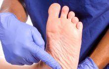 Ce pot anunța durerile în talpă și amorțelile picioarelor. Nu le ignorați!