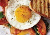 """Ce mănâncă NUTRIȚIONIȘTII dimineața: """"Niciodată nu mă abat de la micul-dejun, care e ÎNTOTDEAUNA format din…"""""""