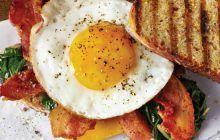"""Ce mănâncă nutriționiștii dimineața. """"Niciodată nu mă abat de la micul-dejun care e întotdeauna format din…"""""""