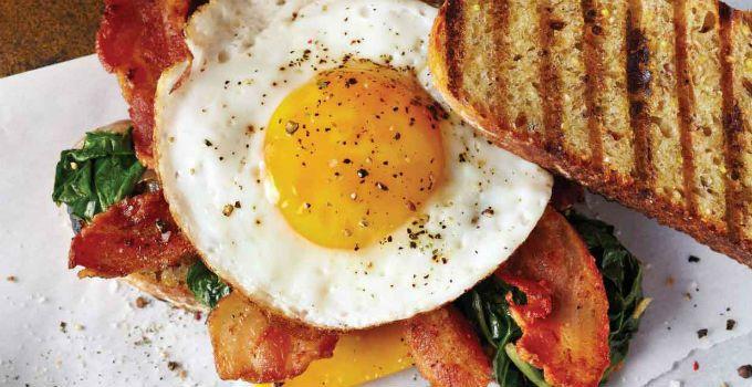 """Ce mănâncă NUTRIȚIONIȘTII dimineața: """"Niciodată nu mă abat de la micul-dejun, care e ÎNTOTDEAUNA format din..."""""""