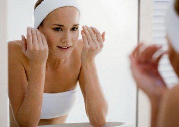 Dermatologii nu recomandă folosirea săpunului în această afecţiune dermatologică. Tu ştiai?