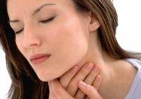 O durere în gât poate fi COMBĂTUTĂ de la primele simptome. Ce trebuie să facem de îndată