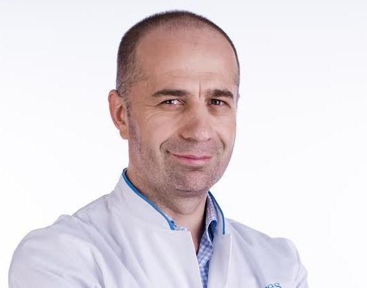 LiveDoc cu dr. Rareș Nechifor. De ce apare fibromul uterin și cum poate fi eliminat într-o jumătate de oră, fără operație