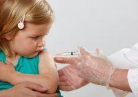"""Ce se întâmplă cu părinții care refuză să-și vaccineze copiii. Ministrul Sănătății: """"Sunt amenzi și de zece mii de lei"""""""