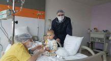 """La doar 2 ani, David a invins cancerul! """"Nu credeam vreodată că oamenii pot să ofere atât de multă iubire…"""""""