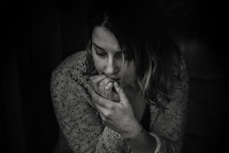 4 simptome care pot indica menopauza timpurie