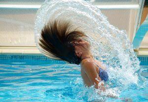 Ce boli poți lua de la piscina