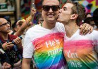 De ce apare homosexualitatea. Factorii care influențează orientarea sexuală